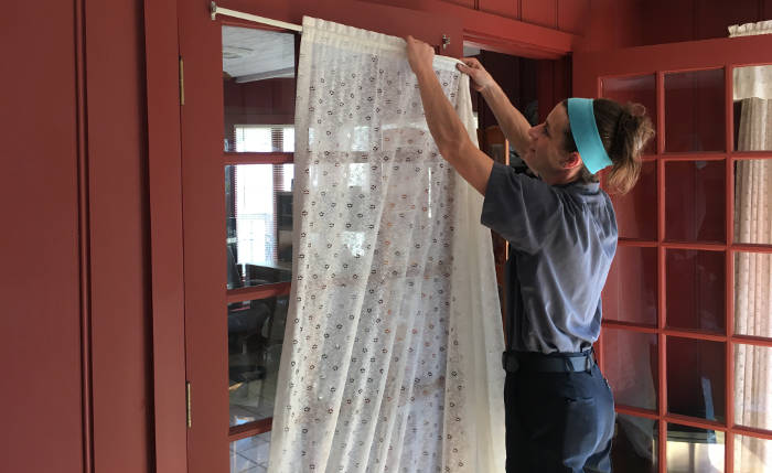 removing curtain from rod 6-26-17